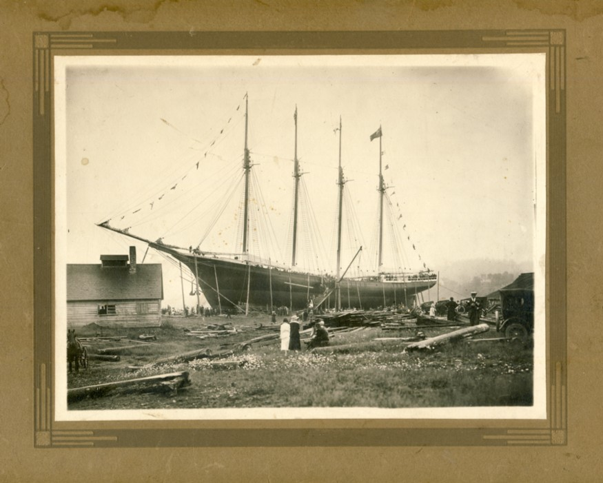 Image for Photograph of the launching of the Whitebelle in Parrsboro, Nova Scotia 1920